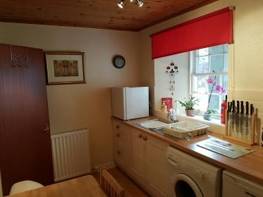 Kitchen 1, Dunkeld Self Catering Birnam Holiday Cottage